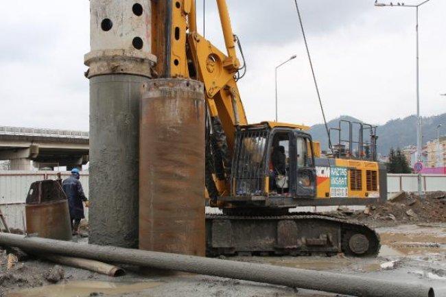 Rize'nin Dolgu Alanı Fore Kazıklarla Güçlendiriliyor